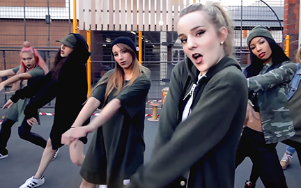 翻跳K-Music舞蹈的法国舞蹈组合RISIN''CREW