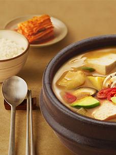 """闷热的夏天,享用方便、健康的""""家饭""""!CJ第一制糖必品阁韩食HMR系列"""