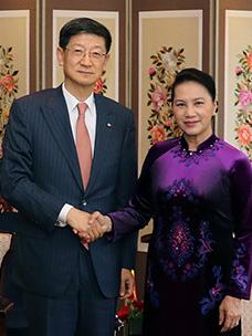 """越南国会主席表示""""充分了解CJ进军越南市场现况,期待更多投资"""""""