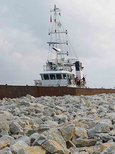 CJ Logistics is transporting rubble stones with heavy-lift ships.
