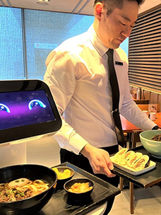 CJ Foodville Cheiljemyunso Seoul Station implements a futuristic smart restaurant