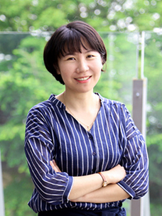 Do you wonder about real Oh Hae-Young's life? Let's meet Park Jin-Hee, a planner of CJ Foodville's Season's Table.